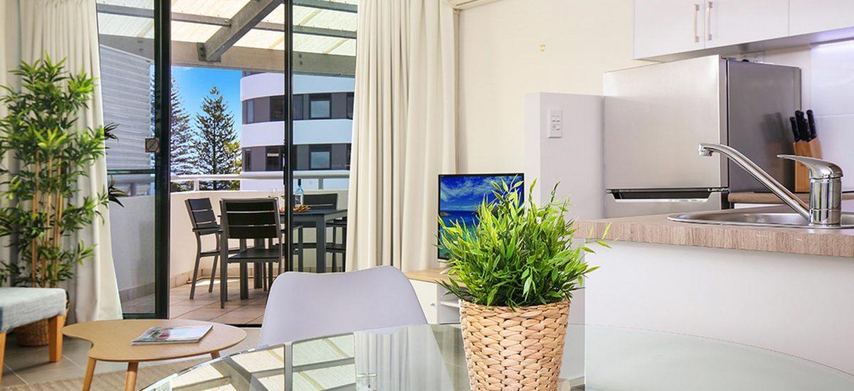 1-bedroom-rooftop-accommodation-mooloolaba-12
